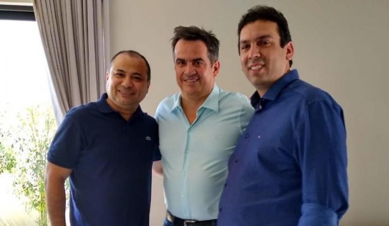 Ciro e Marcos Vinícius fazem as pazes e tratam da aproximação dos partidos