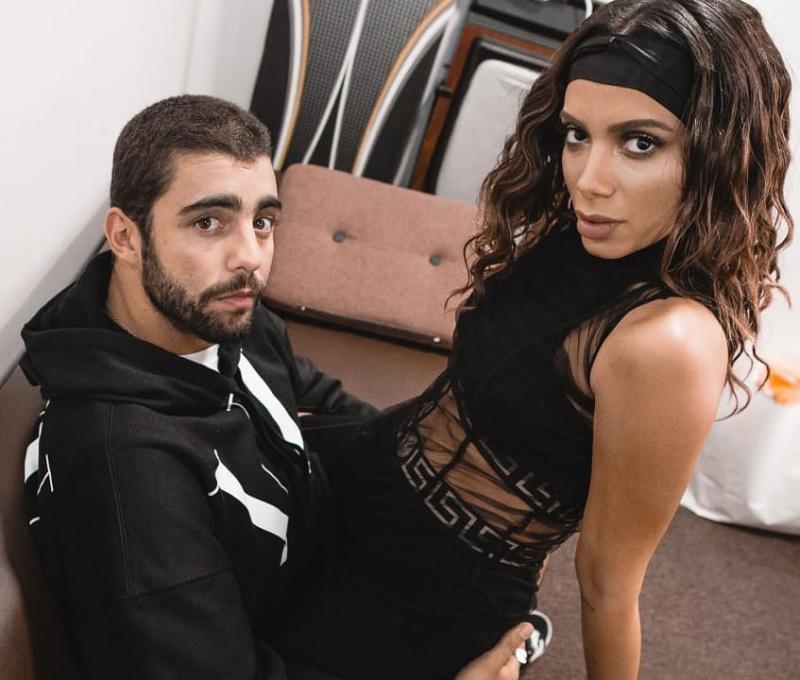 Anitta confirma fim de namoro com Pedro Scooby
