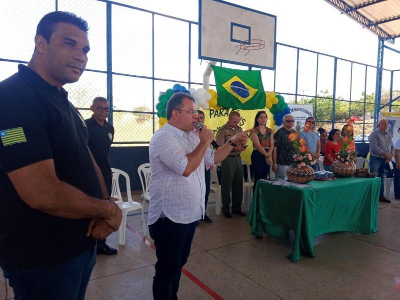 Coronel Nixon visitou nesta manhã de sábado o bairro Parque Rodoviário.
