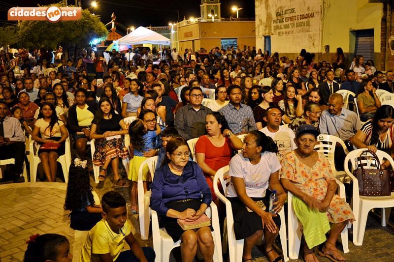 Curral Novo | Dia do Evangélico é celebrado com culto e show gospel