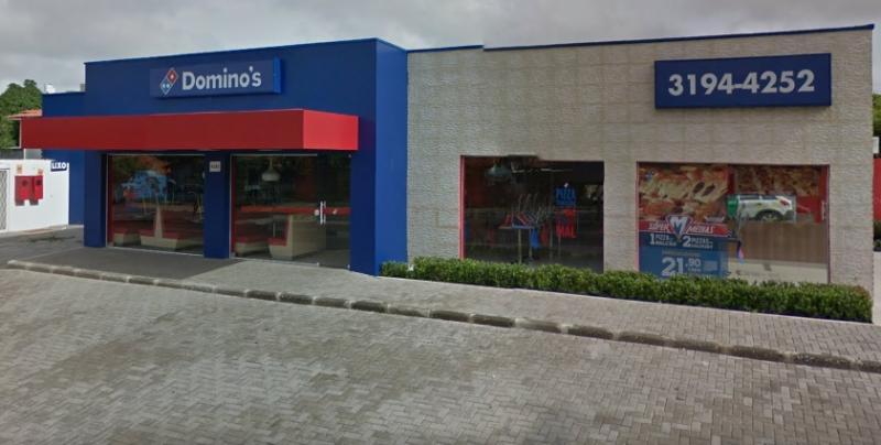 Bandidos fazem arrastão na pizzaria Domino's em Teresina