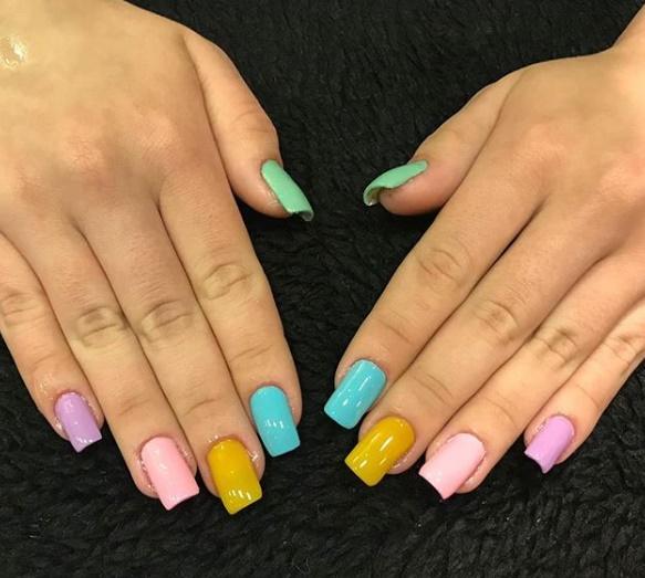 As cores de esmalte que vão ser tendência no verão!