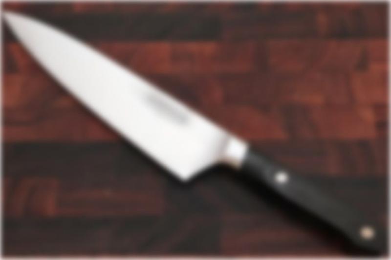 Homem ataca e mata 8 crianças na porta de escola na China
