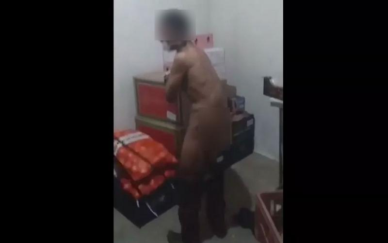 Jovem é chicoteado com fios elétricos após tentar furtar loja