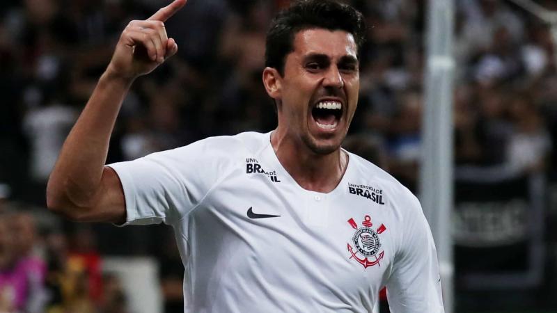 Corinthians segura atletas e dá resposta a críticos sobre desmanche