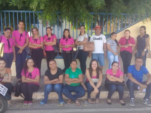 Educadores relatam atrasos e constrangimentos em Valença