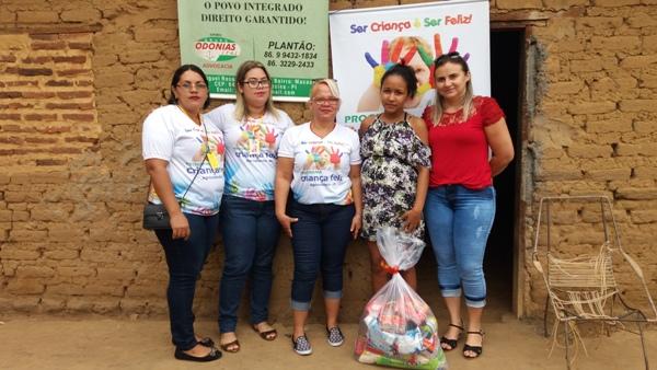 PMA Realiza entrega de cestas básicas e brinquedos para as famílias do programa Criança Feliz