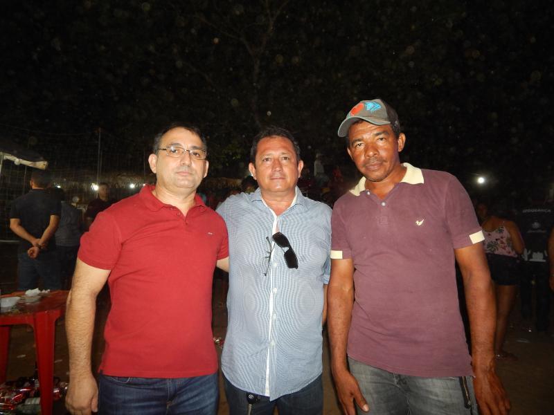 Deputado Federal Marcos Aurélio prestigia festa pós inauguração de Ponte