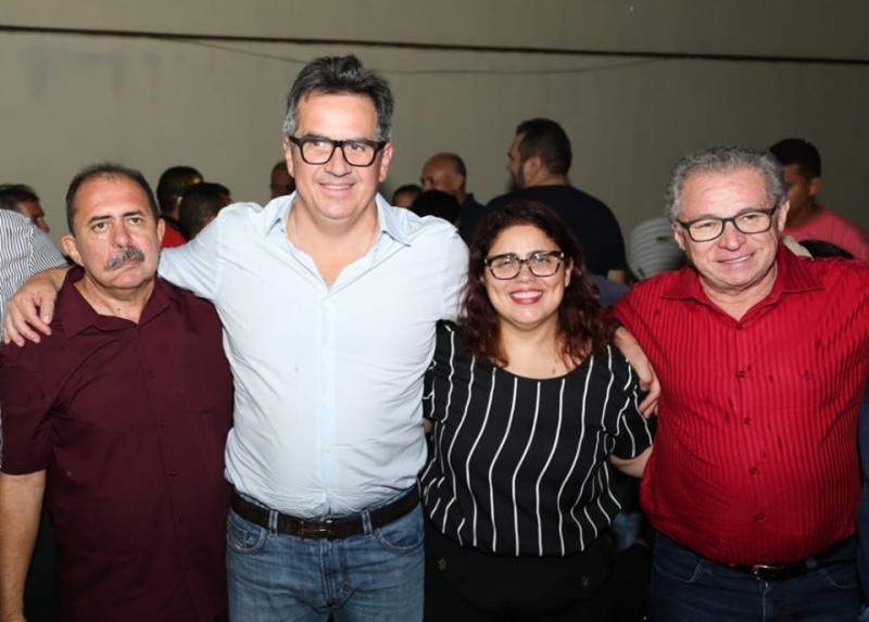 Prefeita anuncia apoio a pré-candidatura de Carlinhos Leal para prefeito