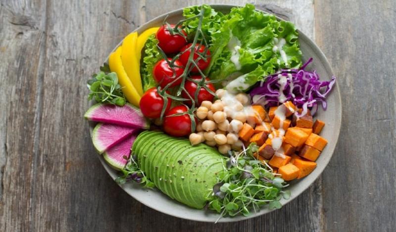 Saiba por que a dieta vegetariana pode aumentar risco de derrame