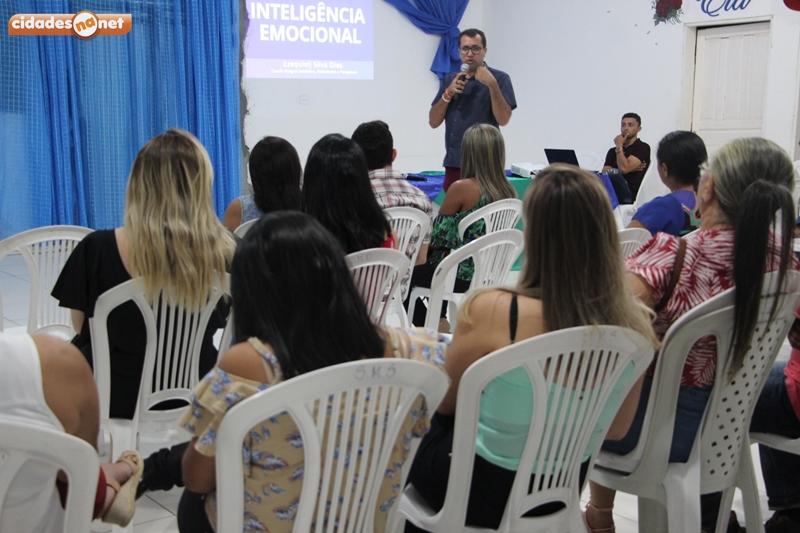Jaicós   Servidores participaram de palestra sobre Inteligência Emocional
