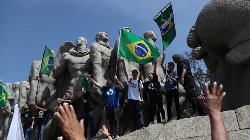 Manifestações contra Bolsonaro ocuparam ruas