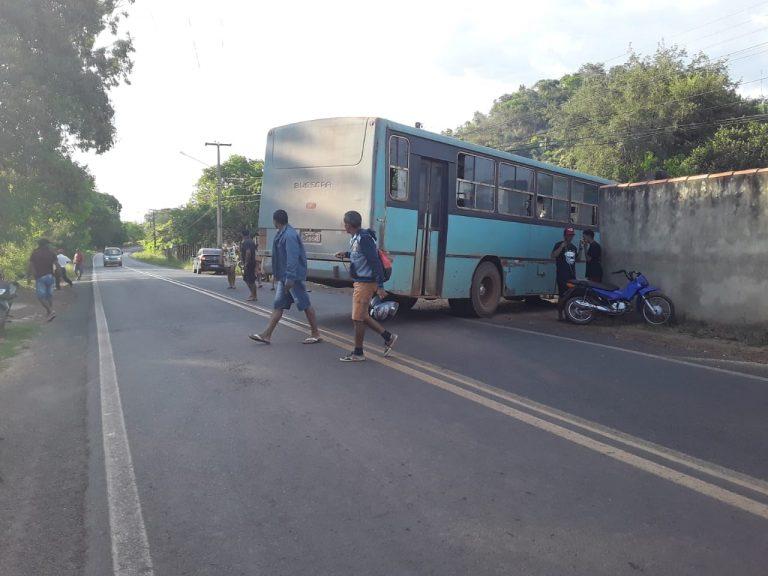 Motociclista morre esmagado por ônibus no interior do Piauí