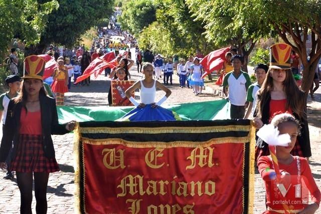 Prefeitura de Francinópolis realiza desfile de 7 de setembro