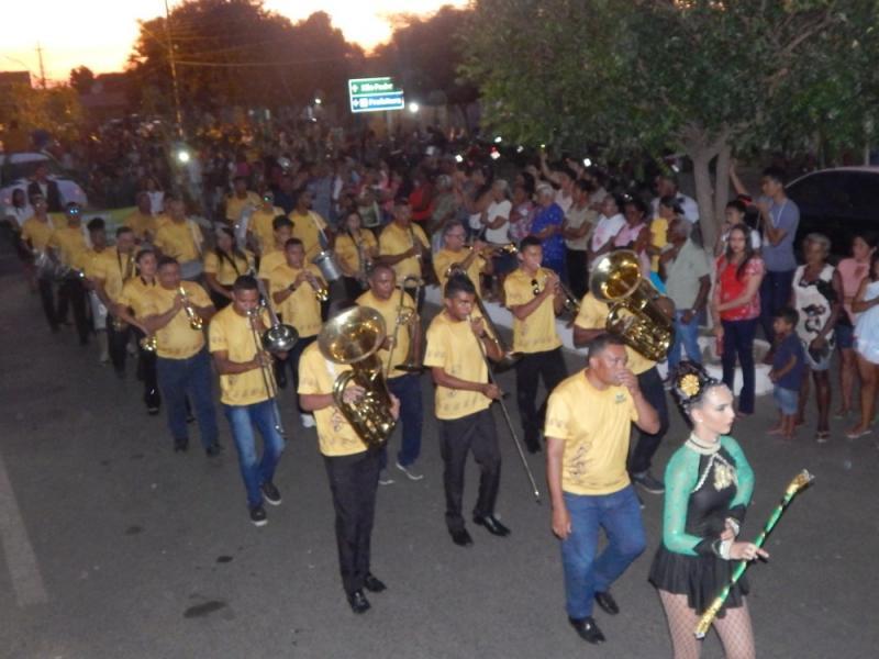 Agricolândia realizou o maior desfile cívico de sua história