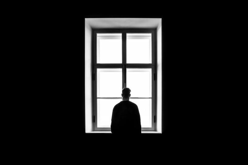 Suicídio mata uma pessoa a cada 40 segundos no mundo, diz OMS