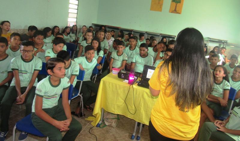 Escola Rosa Barbosa recebe palestras sobre a campanha