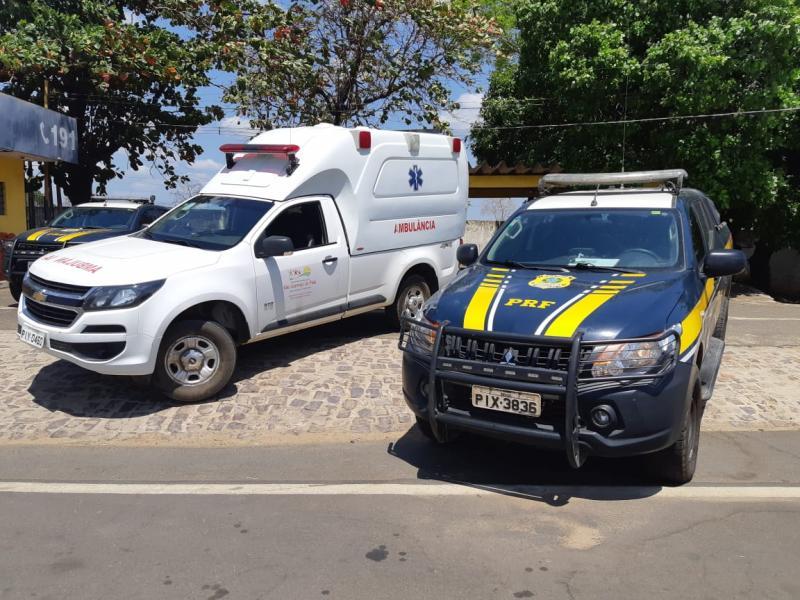 PRF apreende ambulância com placas adulteradas em Teresina