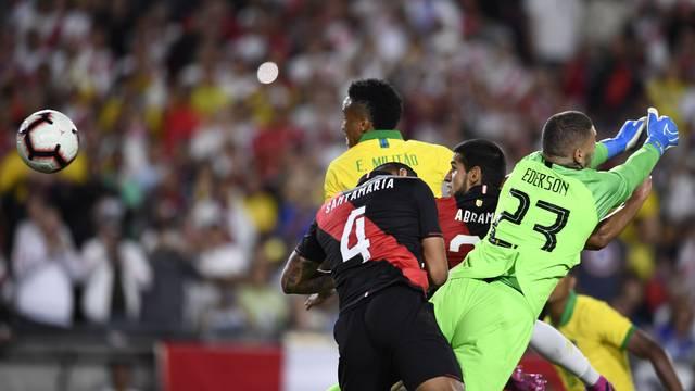 Brasil perde para o Peru e encerra série de amistosos sem vitória