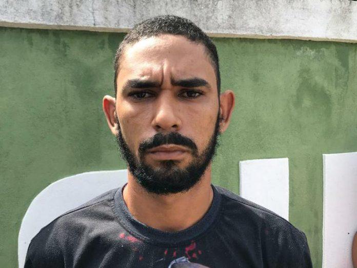 Homem é encontrado morto enrolado em lona no Piauí