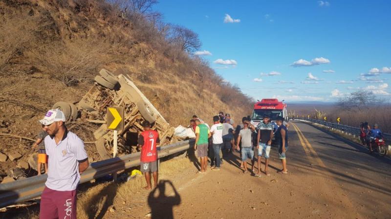 Trabalhadores que morreram em acidente na BR-020 são identificados