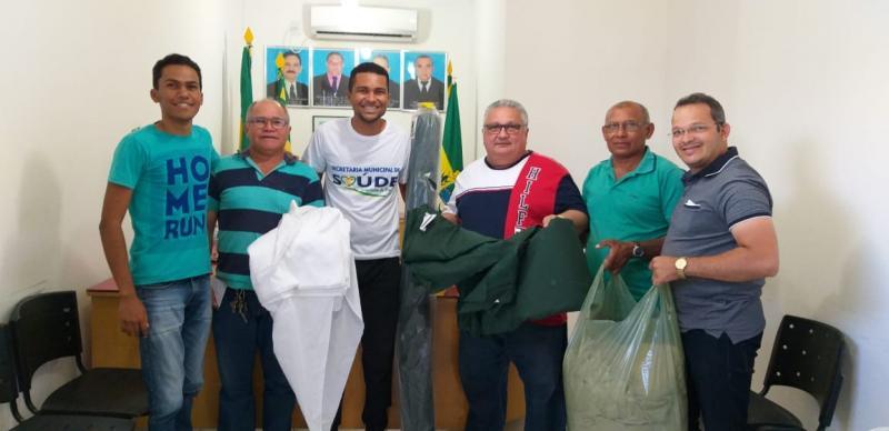 Lagoinha | Gestão municipal realiza doação de material para grupo de jovens