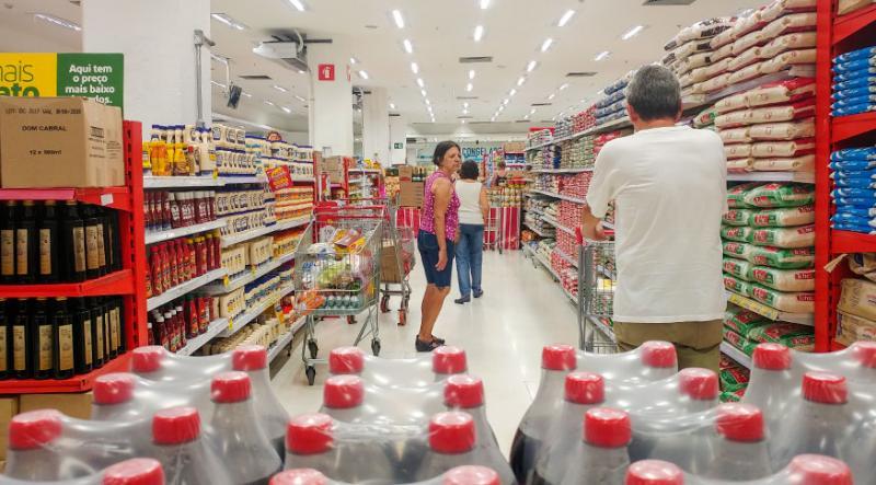 Varejo cresce 1% em julho e aumenta as vendas no mercado, diz IBGE
