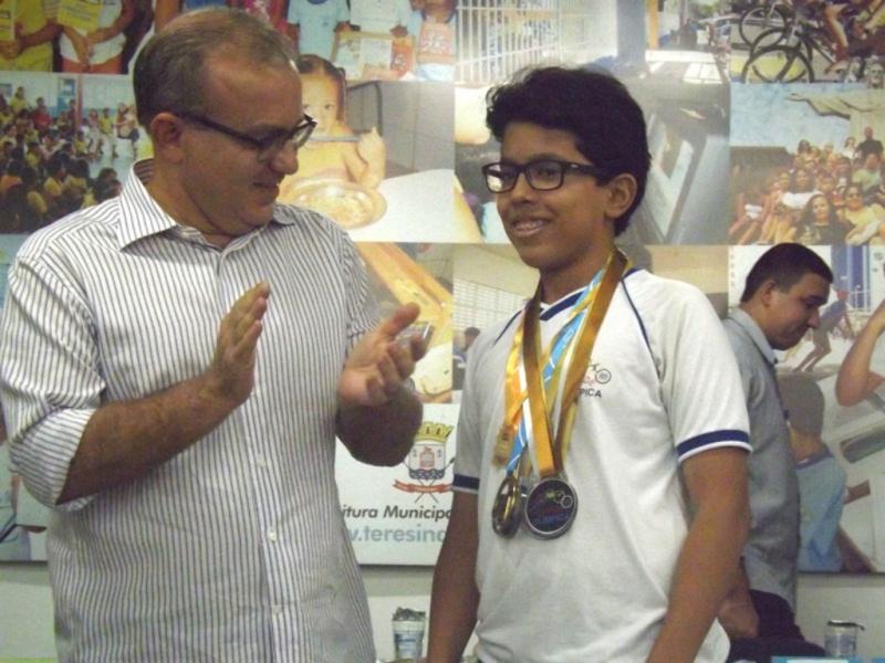 Estudante piauiense conquista ouro na Olimpíada Brasileira de Matemática 2017
