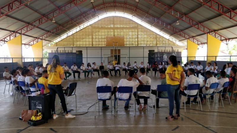 Jovens de Água Branca participam de ação alusiva ao Setembro Amarelo