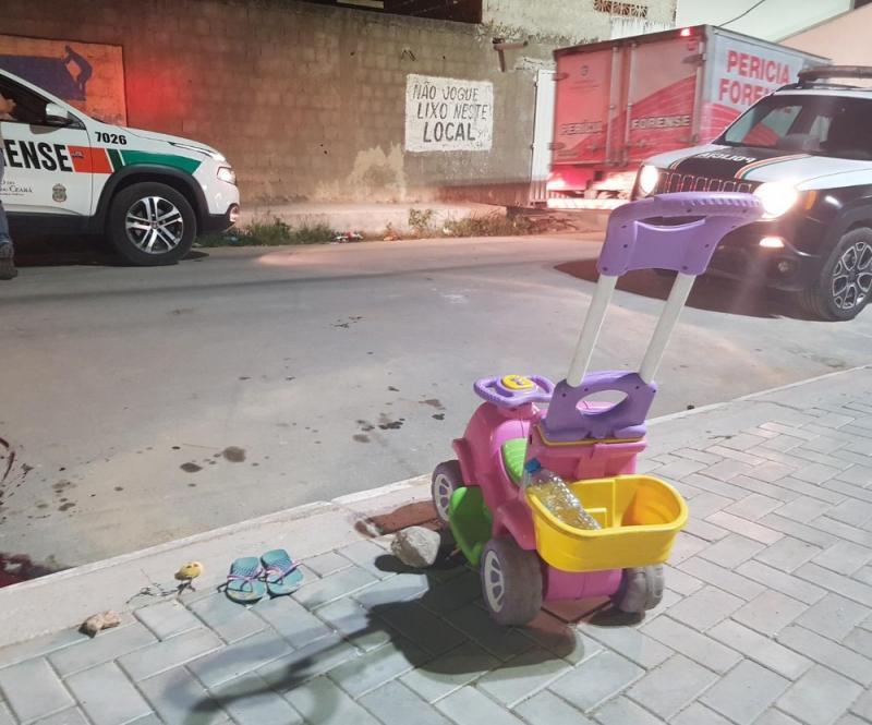 Adolescente é assassinada quando passeava com a filha de 2 anos
