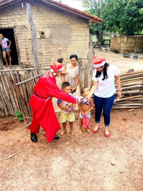 Prefeitura de São Pedro distribuiu presentes e cestas de alimentos às famílias carentes