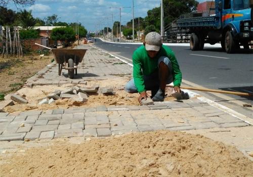 Prefeitura de Timon realiza ações de infraestrutura em três bairros