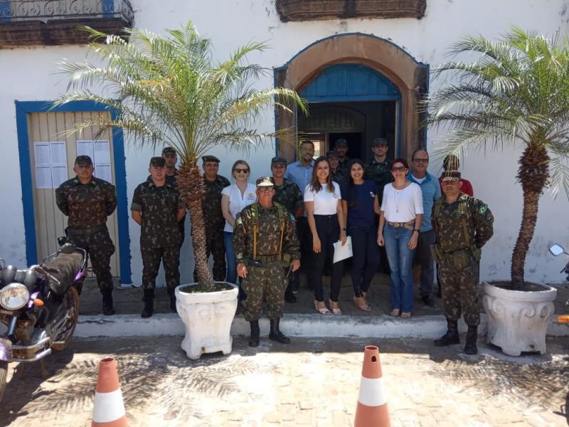 Oeiras | Prefeitura e Exército fazem parceria na realização de ação social