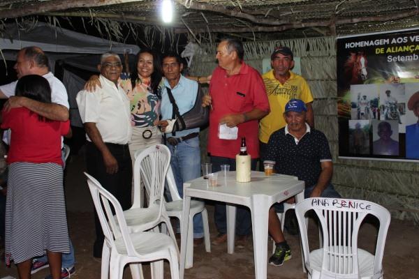 Prefeita Doquinha na primeira noite de evento em Aliança do Gurgueia