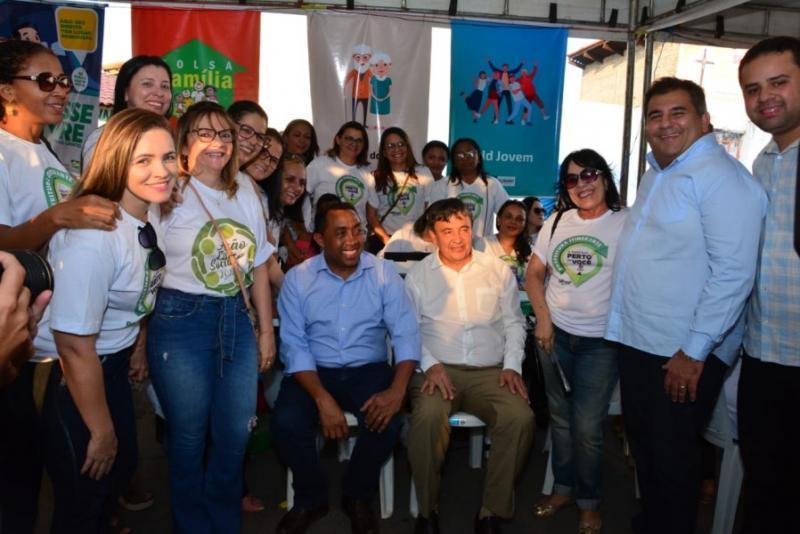 Wellington Dias e Joel Rodrigues entregam Praça 13 de Maio