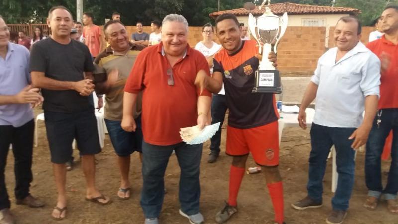Prefeito Dr Alcione Barbosa participa da final do capeonato de Estaca Zero