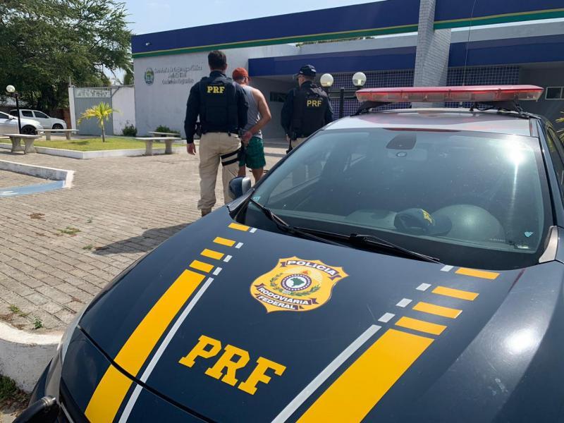 PRF recupera na BR 343 semi-reboque e jet ski roubados