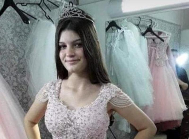 Menina de 14 anos foi morta com mais de 40 facadas