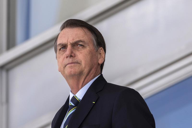 Bolsonaro volta ao cargo e recebe Moro em Brasília