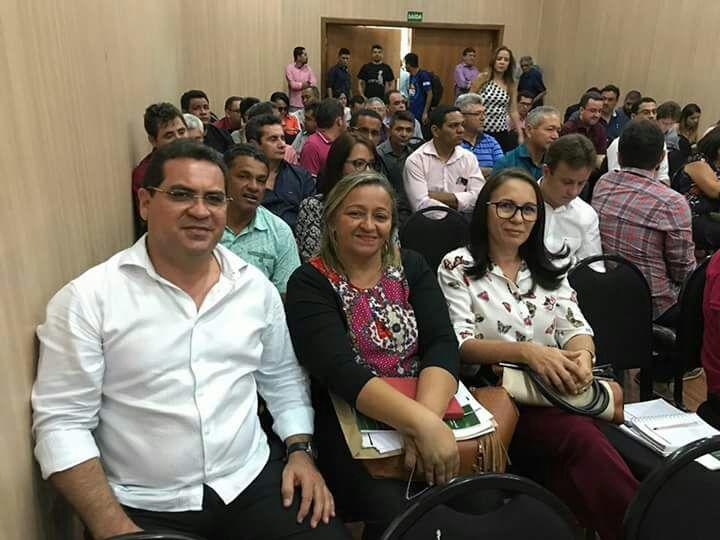 Prefeito Júnior Carvalho apresenta resultado de administração adimplente junto ao CAUC