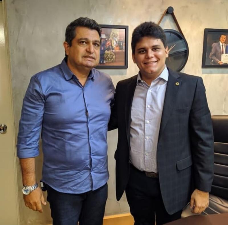 Deputado Oliveira Neto solicita reforma de rodoviária de Monte Alegre Piauí
