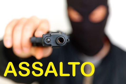 Bandidos roubam motocicleta e celular em Morro do Chapéu