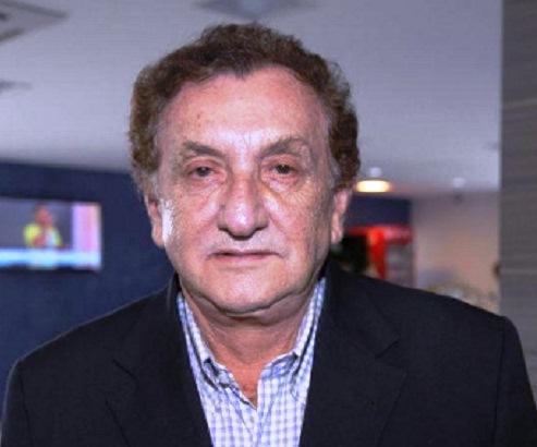 Prefeito de Parnaíba gastará até R$ 1,5 milhão com aquisição de fardamentos