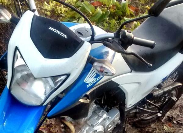 PM persegue assaltantes e recupera moto roubada em Piripiri