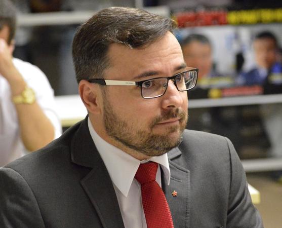 De olho em 2020, Fábio Novo dá entrada em mudança de domicílio eleitoral