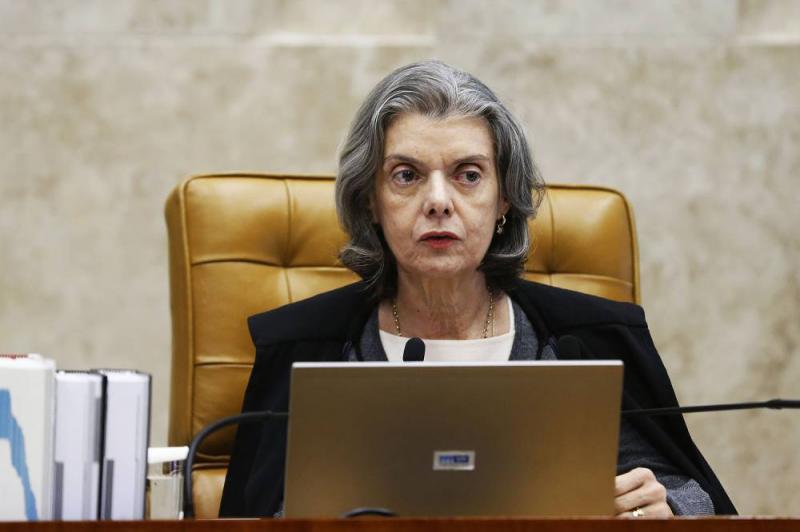 Ministra Cármen Lúcia suspende decreto de indulto de Natal de Temer