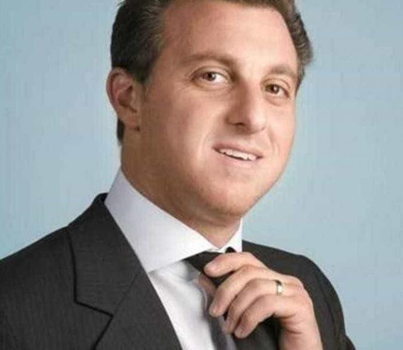 Luciano Huck faz articulação para ser presidente em 2022