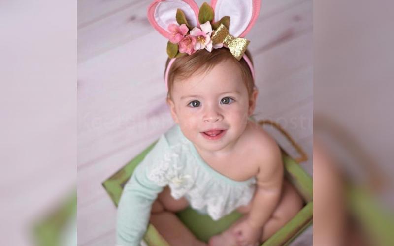 Bebê de 1 ano morre afogada na piscina de casa