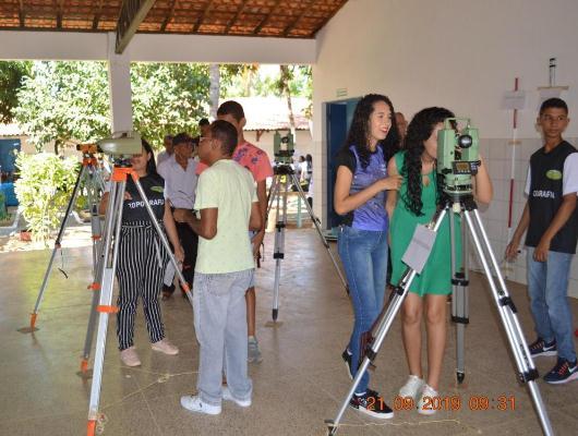 Escola CEEPRU realiza feira de profissões em Colônia do Gurgueia