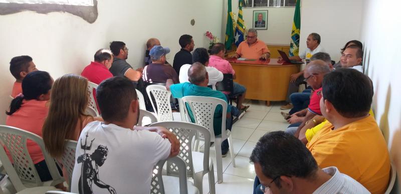 Prefeito Dr. Alcione realiza reunião com lideranças políticas do Município